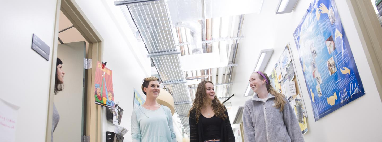students in Darwin